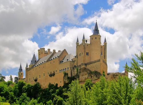 Дворцы и замки 1604