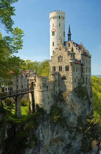 Дворцы и замки 174