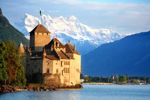 Дворцы и замки