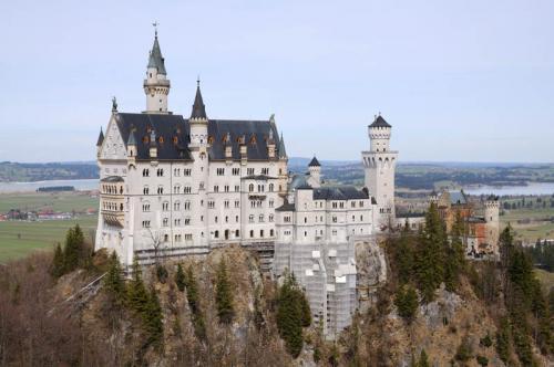 Дворцы и замки 549