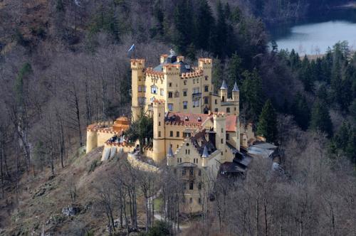 Дворцы и замки 550