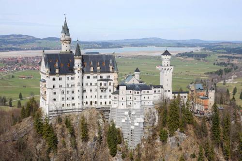 Дворцы и замки 553