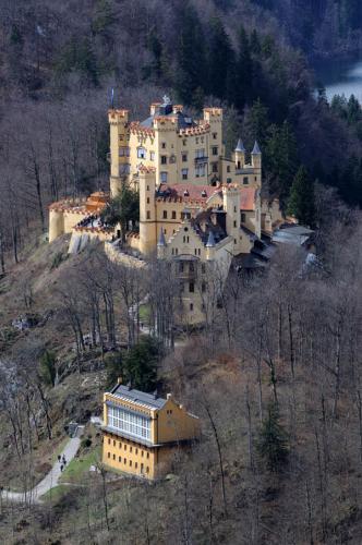 Дворцы и замки 554