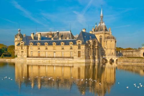 Дворцы и замки 623