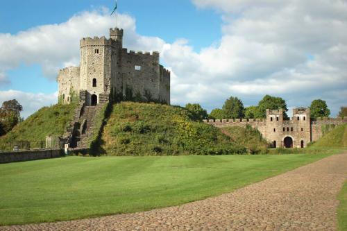 Дворцы и замки 631
