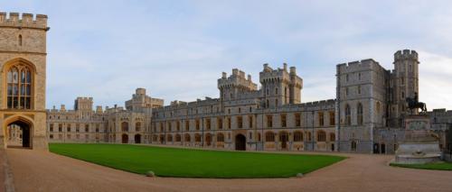 Дворцы и замки 970
